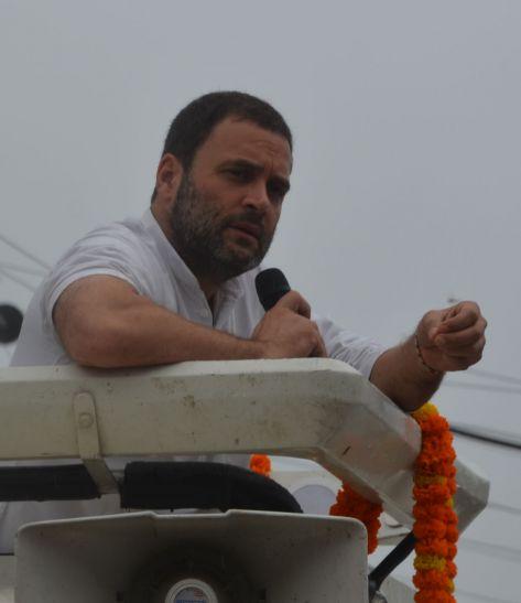 राहुल ने किसानों से कहा, सरकार पर दबाव बनाकर आपका हक दिलाएंगे