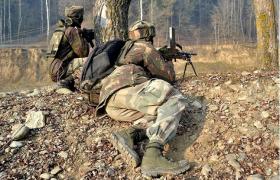 जम्मू कश्मीर में सुरक्षा बलों और आतंकियों के बीच मुठभेड़