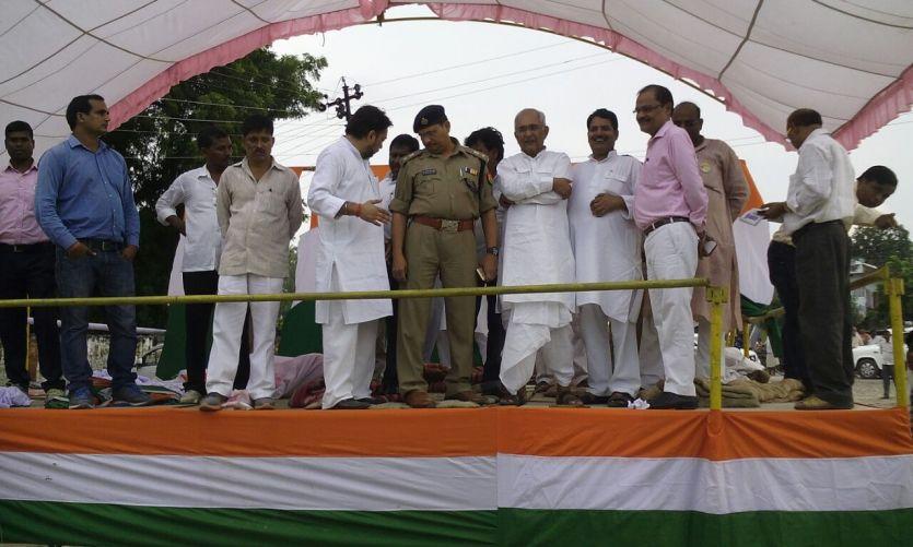 राहुल गांधी के रोड शो व जनसभा की तैयारियां पूरी