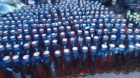 गांव में युवाओं ने खोला मोर्चा, अवैध शराब का ठेकेदार गिरफ्तार