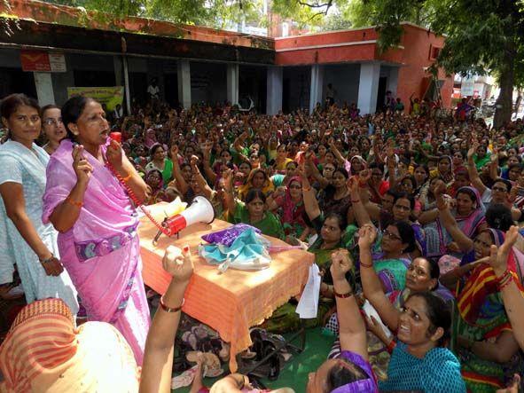 धमकी से न डरें आंगनवाड़ी कार्यकत्री: सुनीता यादव