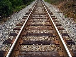 ट्रेन की चपेट में आने से दर्शनार्थी की मौत