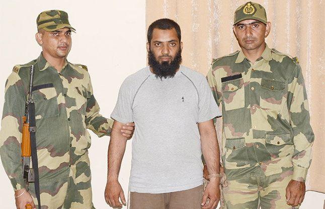 गिरफ्तार आतंकी ने कहा, पाक में मिली थी आर्मी ट्रेनिंग