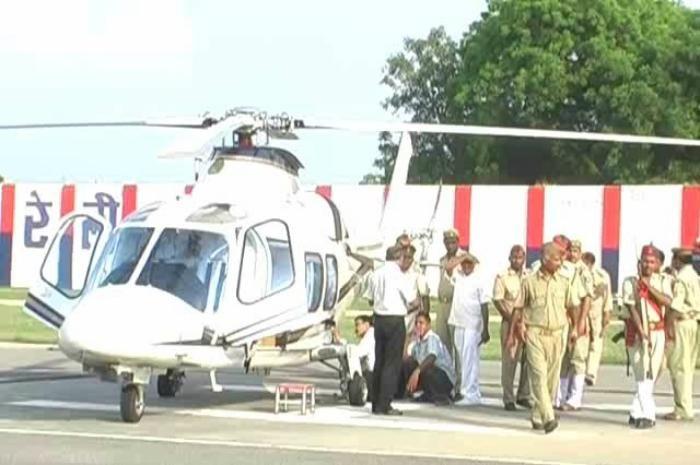 राज्यपाल राम नाईक का हेलीकाॅप्टर खराब, दूसरे विमान से लखनऊ रवाना