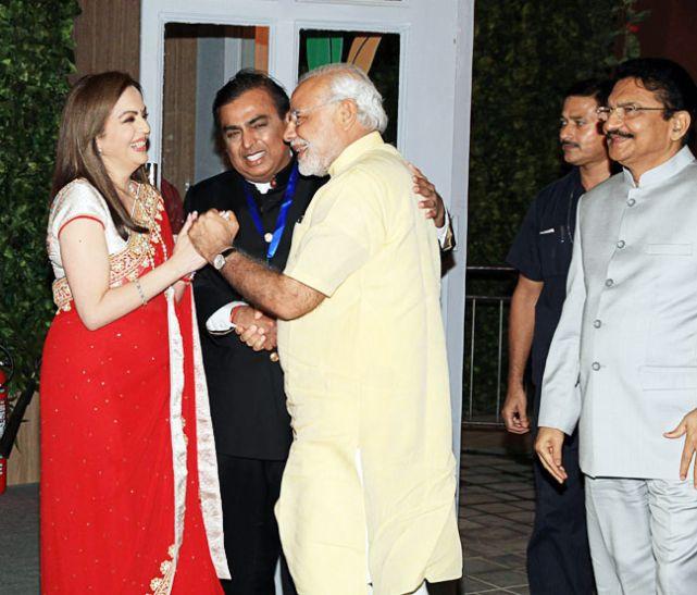पीएम मोदी के करीबी ने मेक इन इंडिया को लगाया पलीता