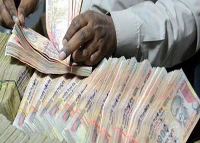 CM ने दी जानकारी, 5 साल में अफसरों से मिली चार अरब 11 करोड़ 93 लाख की काली कमाई