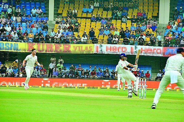 आईपीएल मैच से पहले ग्लैमर का तड़का, होलकर स्टेडियम में विशेष तैयारियां