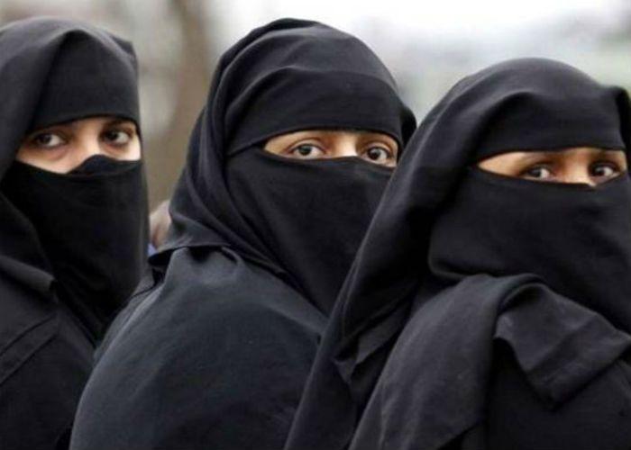नहीं तो अलीगढ़ के मुसलमान बनाएँगे नया मुस्लिम पर्सनल लॉ बोर्ड
