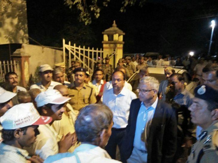 Varanasi stampede डीजीपी ने माना पर्याप्त नहीं थी पुलिस फोर्स