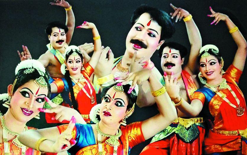 केरल के नाट्यश्री भोपाल के युवाओं को सिखा रहे हैं भरतनाट्यम, क्लासिकल डांस में थिरक रहे युवा