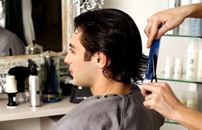 गुरुवार को न कटवाएं बाल वरना छोटी होती जाएगी आपकी उम्र