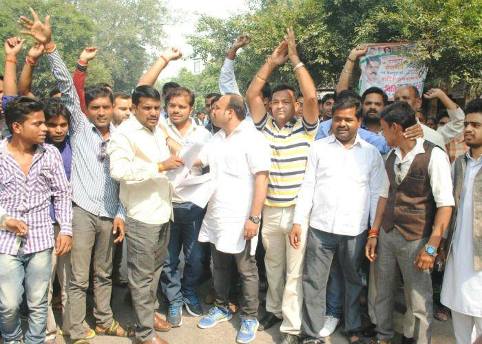 तौकीर रजा के खिलाफ सड़कों पर उतरे हिंदूवादी संगठन, केस दर्ज करने की मांग