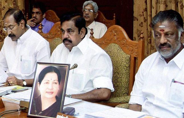 तमिलनाडु : जयललिता की फोटो सामने रख हुई मंत्रिमंडल की बैठक