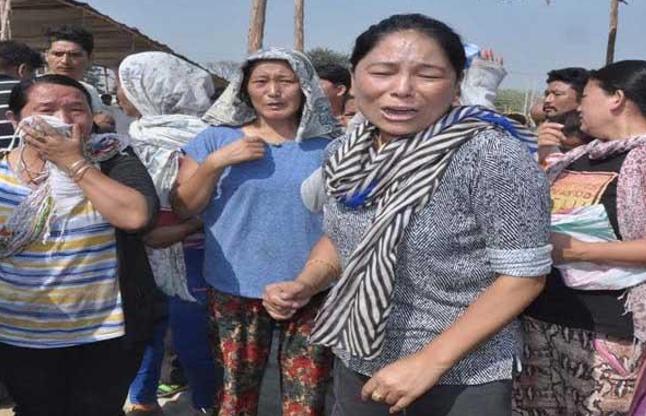 तिब्बती महिलाओं के साथ मारपीट कर उजाड़ी दुकानें