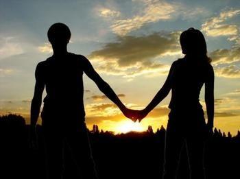 जिसको 8 साल से पति मानकर रह रही थी व्रत, उसने प्यार में धोखा देकर प्रेमिका को बना दिया बहन