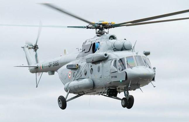 उत्तराखंड: एयरफोर्स का Mi17 हेलीकॉप्टर क्रैश, पायलट और जवान सुरक्षित