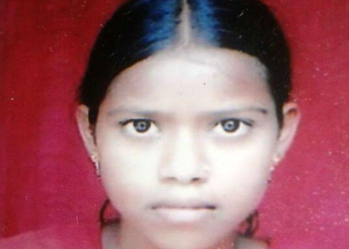मिट्टी की ढाय खिसकने से एक लड़की की मौत, तीन घायल