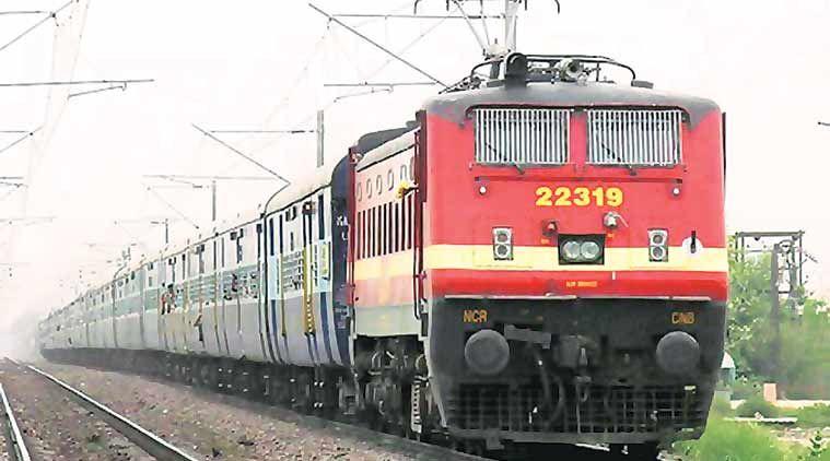 दिवाली पर यात्रियों को पांच स्पेशल ट्रेनों की सौगात