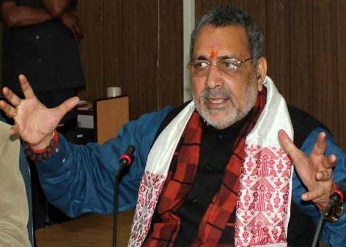 गिरिराज ने बिहार में मानव श्रृंखला को बताया मकड़जाल