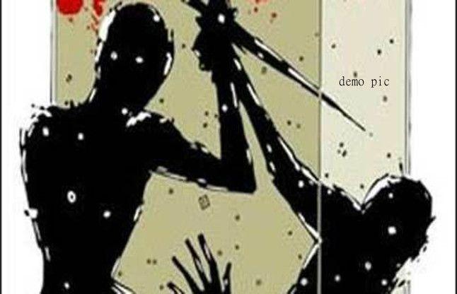 गर्भवती पत्नी को 32 बार चाकू से गोदा