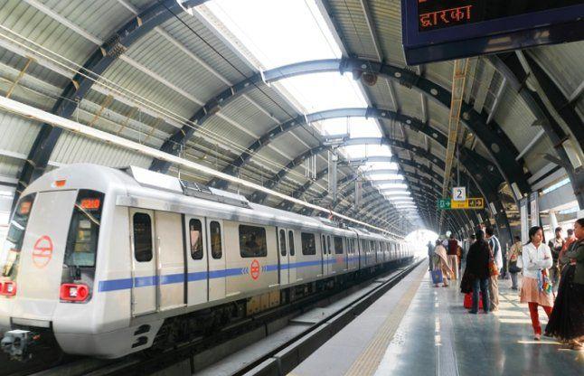 मेक इन इंडिया को लगाया पलीता, चीन से मंगाए मेट्रो कोच