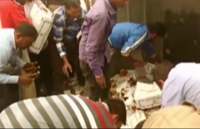 खुलेआम बिक रही शराब, ग्रामीणों ने दिखाया अपना आक्रोश