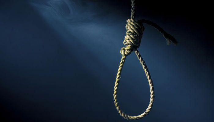 17 वर्षीय बालिका नेअज्ञात कारणों के चलतेफांसी लगाकर दी जान