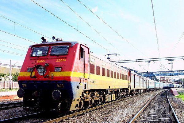 नॉन इंटरलॉकिंग: कई ट्रेनें रद्द, कुछ का बदला रूट