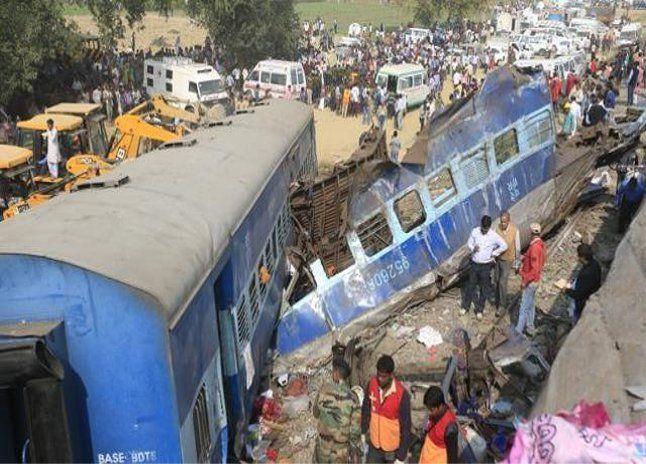 BIG BREAKING: पटना-इंदौर एक्सप्रेस हादसे में DRM का ट्रांसफर, 5 इंजीनियर सस्पेंड