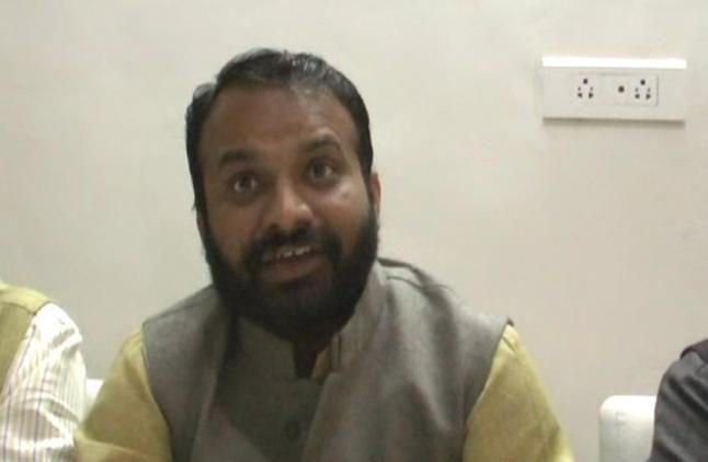 'कंफ्यूज नेता हैं राहुल गांधी, वह आलू की भी फैक्ट्री लगाते हैं'
