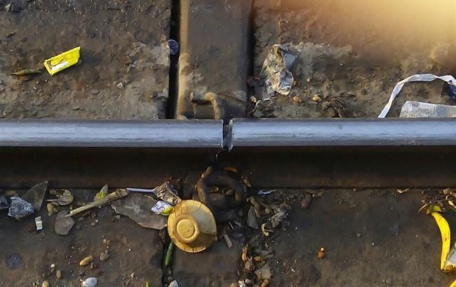 BIG NEWS: यहां टूटी पटरी से ही गुजर गई एक्सप्रेस ट्रेन, टला बड़ा हादसा