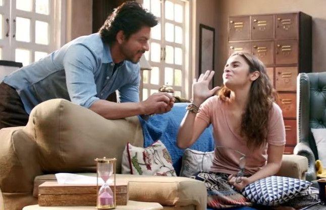 Movie Review: क्या दिल को छूती है शाहरुख-आलिया की 'डियर जिंदगी', यहां जानिए