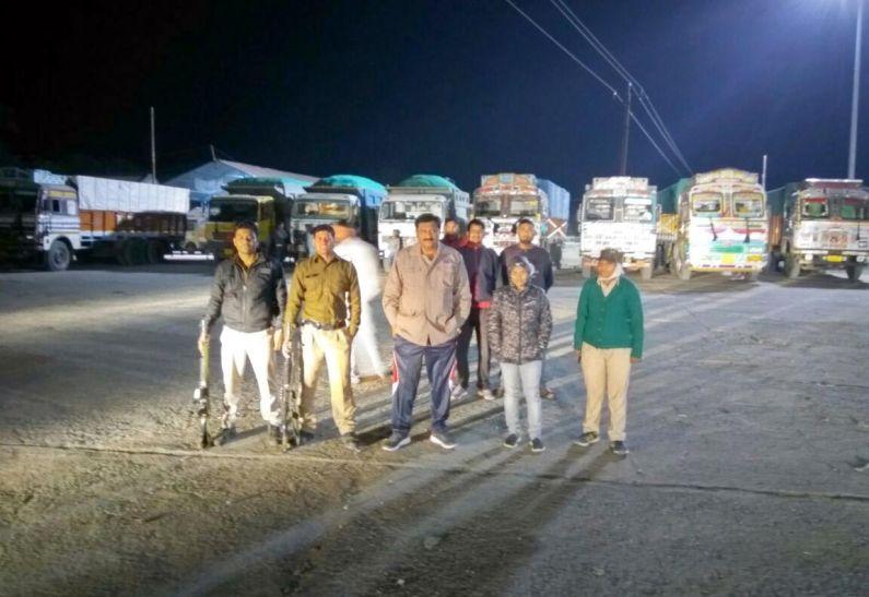 रेत का अवैध परिवहन : चार बिना राल्यटी और 15 ओवरलोड वाहन जब्त