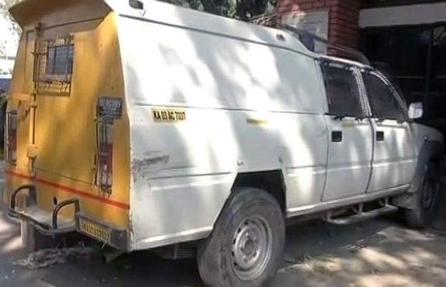 बेंगलुरु : कैश वैन में 1.37 करोड़ लेकर परिवार संग भागा ड्राइवर गिरफ्तार