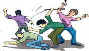 शराबियों को युवक ने हल्ला करने से मना किया तो डंडे से फोड़ दिया सिर