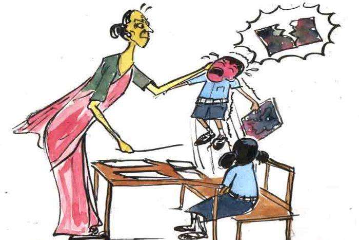 परीक्षा में ताक-झांक करने पर प्राचार्य ने छात्र को जड़ा थप्पड़, केस दर्ज