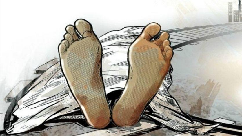 ट्रेन की चपेट में आकर मां और बच्ची की मौत, एक घायल