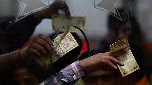 15 दिसंबर से पहले पुराने नोटों को इस्तेमाल करने की छूट वापस लेगी सरकार