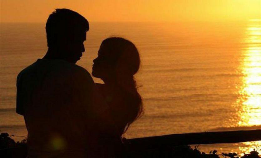 LIVE IN RELATIONSHIP पर इलाहाबाद हाईकोर्ट का बड़ा फैसला, शादीशुदा महिला का गैर मर्द संग संबंध अवैध