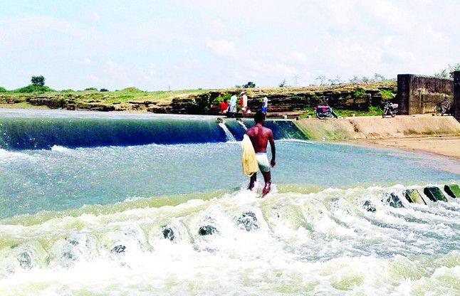 खारे पानी से मुक्ति मिलेगी: नवागढ़ ब्लॉक के 33 गांवों को मिलेगा शुद्ध पेयजल