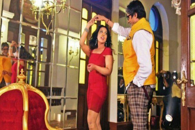 अमिताभ बच्चन के साथ सीएम की पत्नी ने किया डांस, विपक्षी पार्टियों ने घेरा