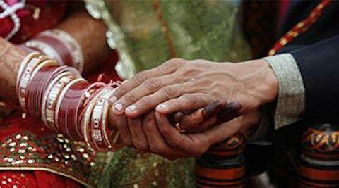 ठगी के लिए पत्नी को विधवा बहन बता करवाता था दूसरी शादी
