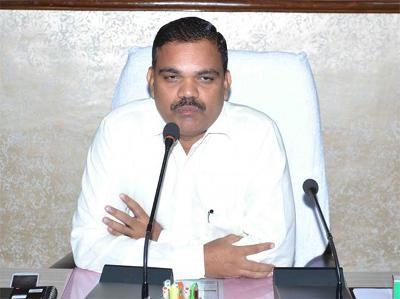 काम से नाखुश डीएम ने एसएसपी समेत 176 अधिकारियों का वेतन रोका