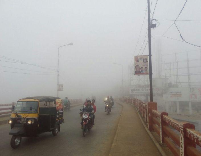 MP के ज्यादातर इलाकों में घना कोहरा, कई जगह बढ़ गई ठंड