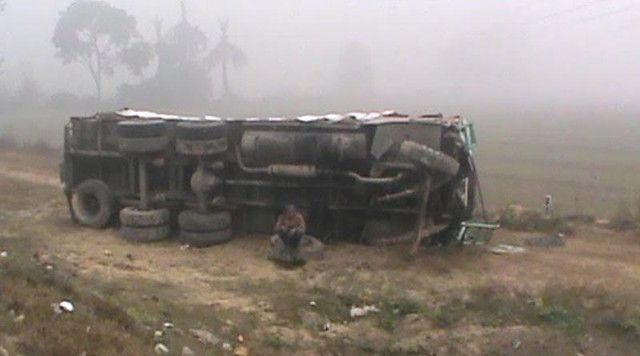 BREAKING- घने कोहरे में NH-91 पर दर्जन भर वाहन टकराए, कई घायल