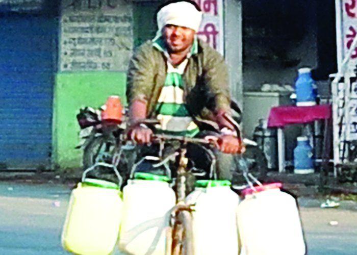 निगम की गलती:खामियाजा भुगता आधा शहर, पानी को तरसे लोग
