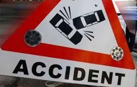 तेज रफ्तार ट्रक की टक्कर से दो की मौत, एक घायल