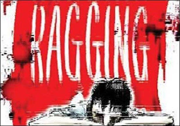 रैगिंग: बिहार से हैं बस इतना सुनते ही 29 छात्रों को पीटने लगे सीनियर