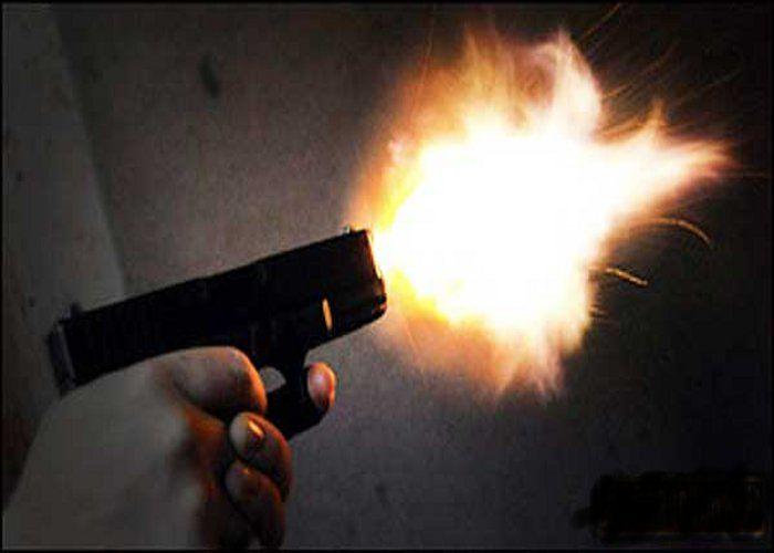 चौकीदार ने दहशत फैलाने चलाई गोली, अब पुलिस ने किया गिरफ्तार