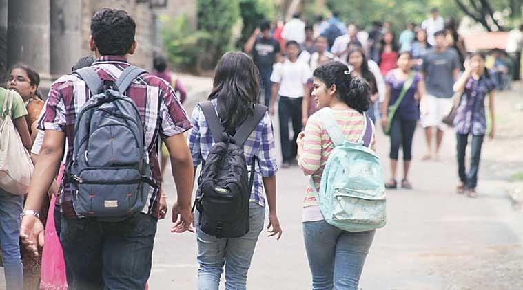 उच्च शिक्षा को लेकर सरकार उदासीन, युवा बेहाल, सिर्फ 2 कोर्स उपलब्ध